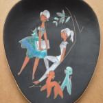 Wandbordje, niet gesigneerd, decor gelijk aan Ruscha tegel, 22,5 cm