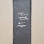 Gesigneerd, Astoria Tegelen, PAM PAM, Decor-DH (Dries Holten), Namaak verboden (22 cm)