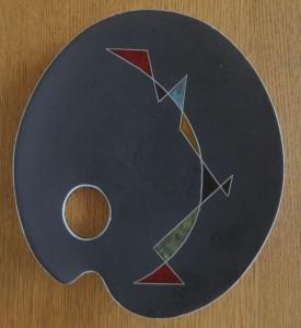 Paletbordje 'Oeganda' (dit exemplaar is gesigneerd 'Mozambique' 102 (23 cm)