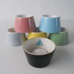 1958 (14) 6 eierdopjes in verschillende kleurvarianten (model Hoenderloo) (foto: IvW)